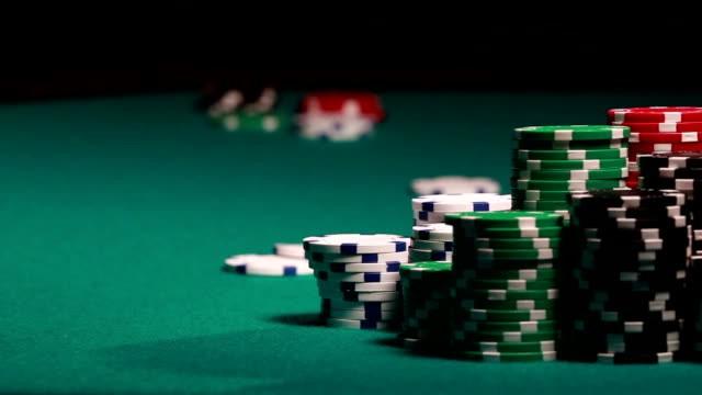 Trik Ampuh Bermain Judi Poker Online